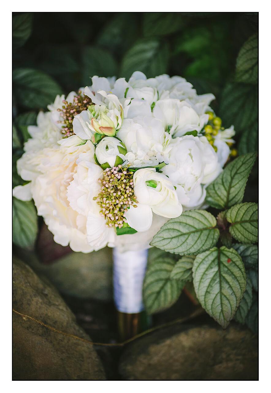 flowers for the suitcase 70 keepsake bouquets. Black Bedroom Furniture Sets. Home Design Ideas